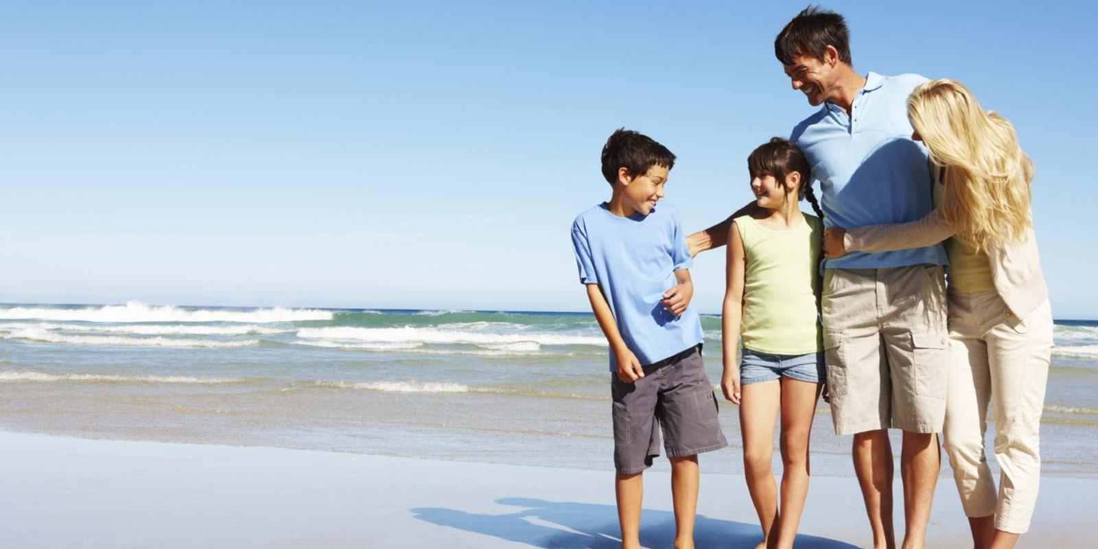 Vacances à la mer avec ses enfants : les précautions à prendre