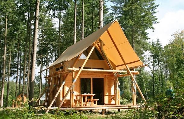 Hébergement en plein air : tente ou mobil home ?