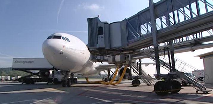 Les procédures à suivre pendant l'embarquement dans un aéroport international